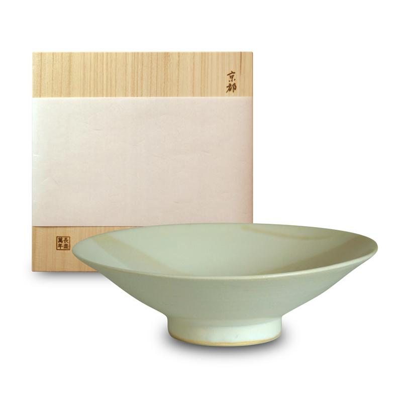 画像1: そり大鉢・乳白釉(木箱入)